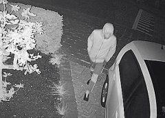 Dader duidelijk in beeld bij auto-inbraak in Galecop