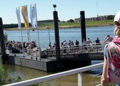 Voorspoedig werk aan afmeerponton van de Vrevia bij Museumwerf Vreeswijk