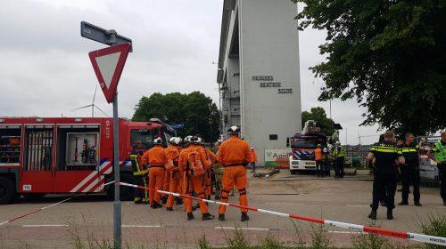 Twee mensen bekneld tijdens werkzaamheden Prinses Beatrixsluis