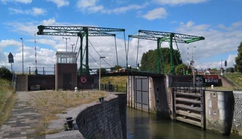 Zwaar sluipverkeer nekt Emmabrug in Vreeswijk: per direct dicht