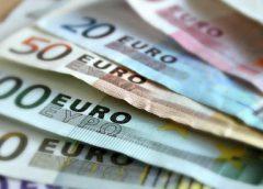 Jantine met de Pet: 'Geen schip maar roeibootje met euro's voor de gemeente'