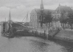 Toen & Nu: 'De Verlengde Dorpsstraat met zalencentrum Sint Jan in Vreeswijk'