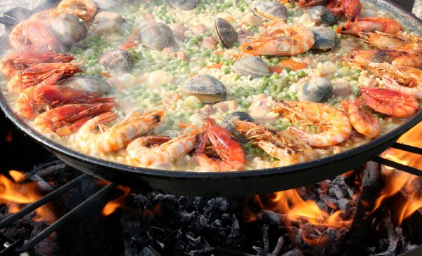 Zo eet je thuis de lekkerste Valenciaanse paella