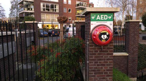 Wijkplatform ZHGB (Zuilenstein, Huis de Geer en Blokhoeve) zorgt voor een wijk dekkend AED netwerk