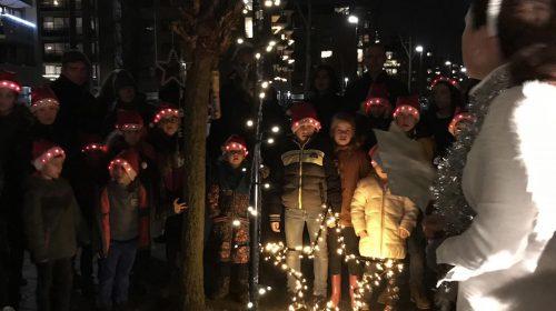 Herdertjestocht luidt kerstvakantie in voor leerlingen van Lucas Galecop