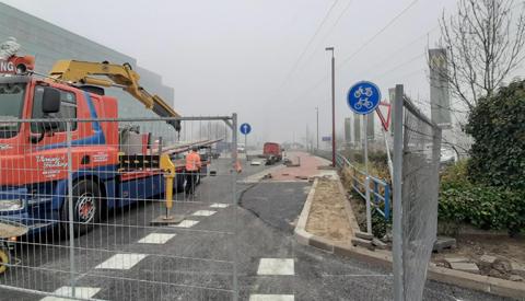 Fietspad Ravenswade open: Fietsersbond Nieuwegein deelt fietsdrop uit