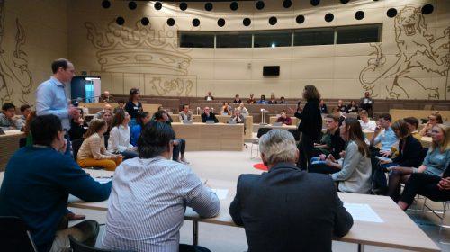 Gaat het Anna van Rijn College door naar de finale van het Lagerhuis?