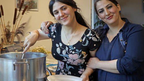 Kookworkshop voor volwassenen tijdens 'Wereldkeuken' in Dorpshuis Vreeswijk