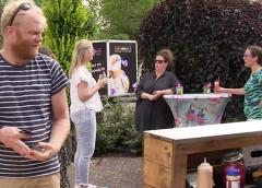Bewoners aan de Utrechtsestraatweg genieten van BBQ ondanks Corona