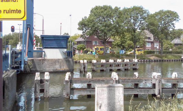 Fietsers vallen om onduidelijke reden van hun fiets in Nieuwegein