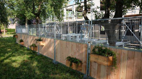 Duurzame bouwhekken geplaatst rondom bouwterreinen in Rijnhuizen