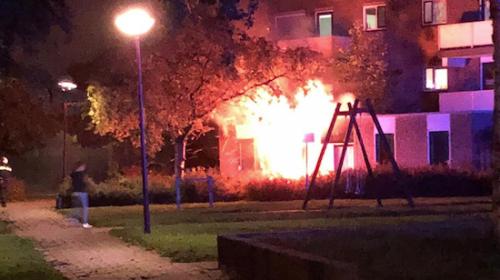 Update: Ontploffing zet schuur in de brand aan de Zeusburg