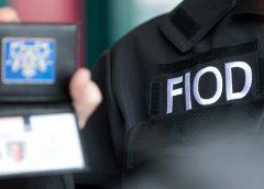 Vier auto's in beslag genomen bij inval door de FIOD in Nieuwegein