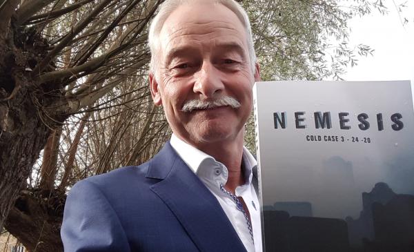 Kees Blaas uit Nieuwegein schrijft thriller