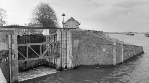 Bovenste schutkolk Oude Sluis Vreeswijk gesloten vanwege hoogwater