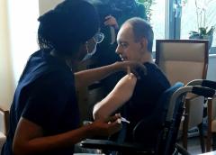 Bewoners zorglocaties ZorgSpectrum gevaccineerd tegen Corona