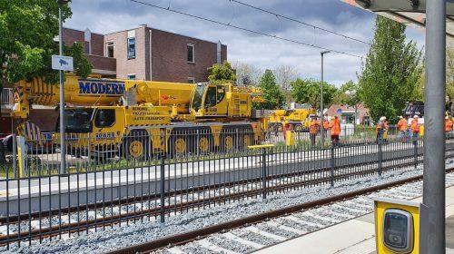 Ontspoorde tram eindelijk geborgen, herstel aan trambaan kan beginnen