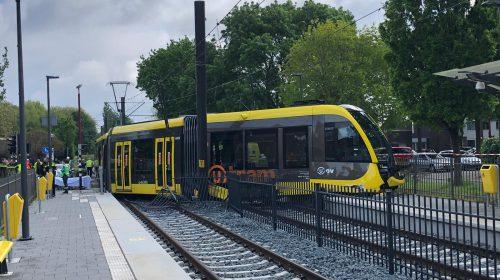 Video update: Overstekende ganzen mogelijk oorzaak botsing auto met tram