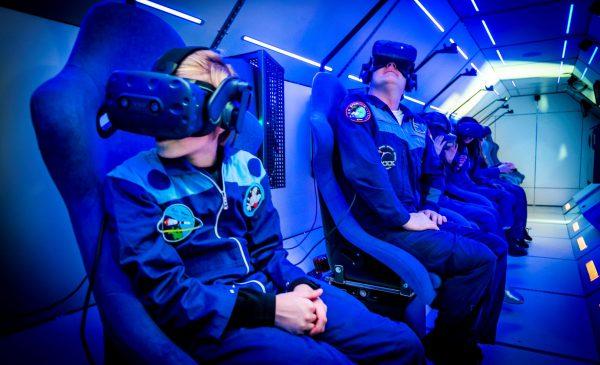 SpaceBuzz van astronaut André Kuipers doet Nieuwegein aan