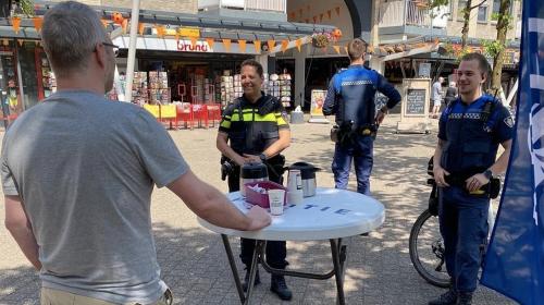 'Coffee met een Cop' in Batau Noord