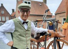 Fietsenmaker uit Nieuwegein wint Werelduurrecord MacMillan-fietsrijden