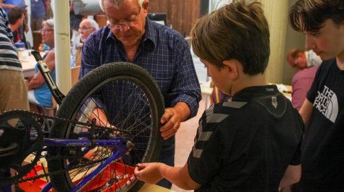 Workshop 'Repareren kun je leren' tijdens maandelijks Repair Café