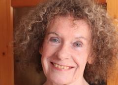 Nieuwegeinse schrijft bundel 'Voor een Glimlach'