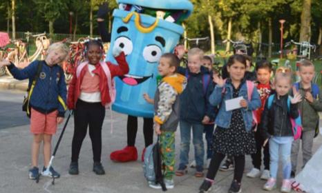Leerlingen van Beatrixschool en Krullevaar ruimen heel veel zwerfafval op